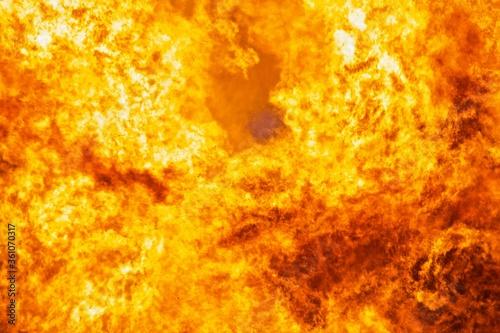 Valokuva Raging flames of huge fire