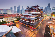 Buddha Tooth Relic Temple In S...