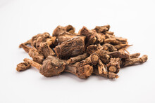 Raw Dried Indian Ayurvedic Sarsaparillais Used For Treating Psoriasis & Skin Diseases, Rheumatoid Arthritis And Kidney Disease, Selective Focus