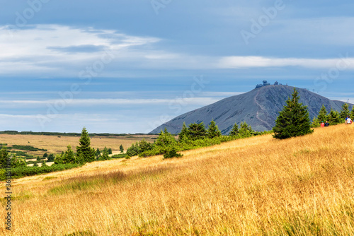 Fototapeta View of hiking trails and Karkonosze (Krkonose) mountains national park at the Poland and Czech Republic border. Scenic summer landscape with beautiful views. obraz