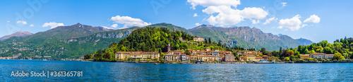 Panorama landscape of Bellagio village on the Italian Riviera of Lake Como Fototapeta