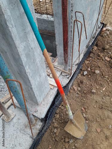 Lavori in corso nel cantiere edile in estate - costruire Canvas-taulu