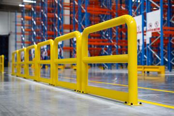 Żółte barierki bezpieczeństwa - Przemysł