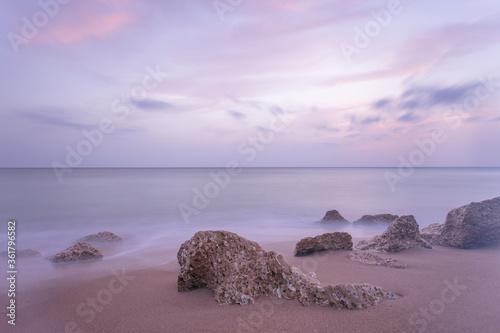 Larga exposición al atardecer en las playas de Cádiz Canvas Print