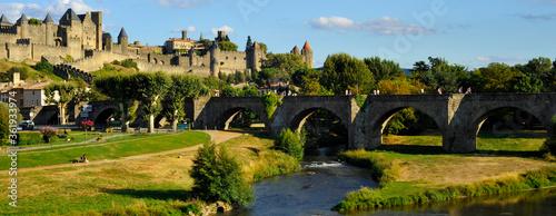 Photo Panoramique la cité de Carcassonne (11000) l'Aude à ses pieds, Aude en Occitanie