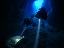 Cave Diving Underwater Scuba D...