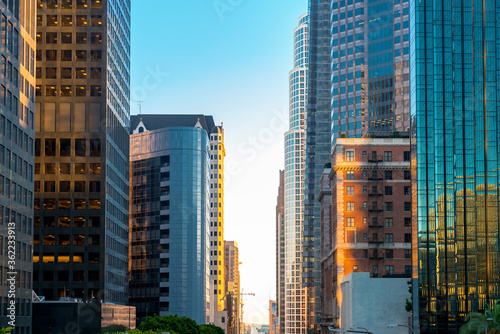 Photo View of downtown Los Angeles skycrapers at sunset