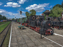 Old Steam Engine Locomotives O...