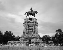 Robert E Lee Statue In Richmond, VA