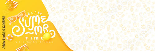 Foto Summer banner design with beach accessories on the yellow background and copy space