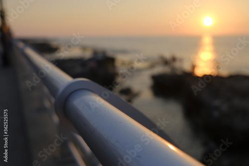 Fototapeta premium zachód słońca nad miastem
