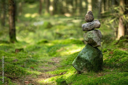 cairn, stones, stone, wood, undergrowth, forest, path, green, nature, wellness, Fotobehang