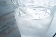 冷たいお水 グラスの...