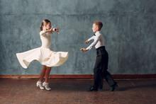 Young Couple Boy And Girl Danc...