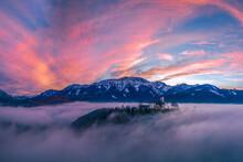 Mystischer Sonnenuntergang üb...