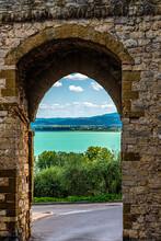 Castiglione Del Lago, Splendida Cittadina Dell'Umbria Sulle Sponde Del Lago Trasimeno
