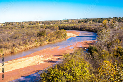The red river in central Texas Canvas-taulu