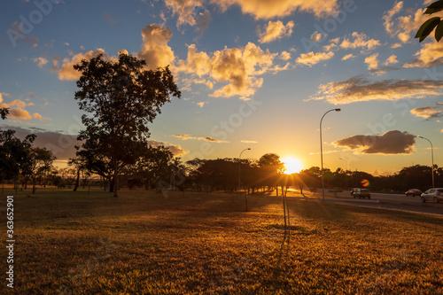 Pôr do sol no Eixo Monumental em Brasília, Brasil. Canvas Print
