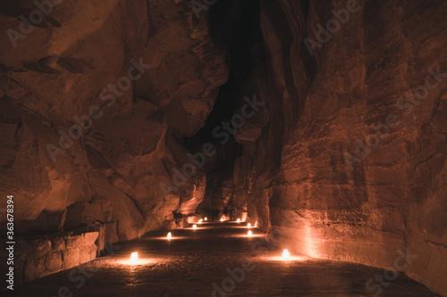 Canvastavla Petra's Siq Illuminated By Candles