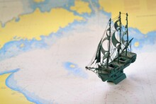 Vintage Scale Model Of The His...