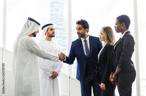 Valokuvatapetti Business People Doing Handshake In Office