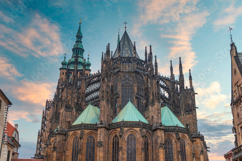 Foto Vltava river and St.Vitus Cathedral in Prague
