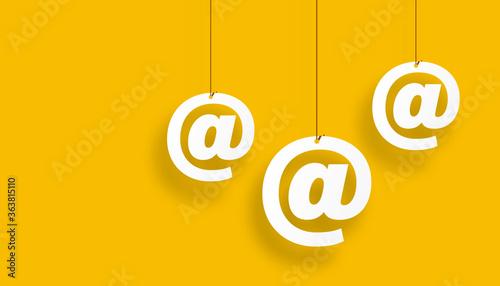 Fényképezés indirizzo, posta elettronica, appesa ad un filo