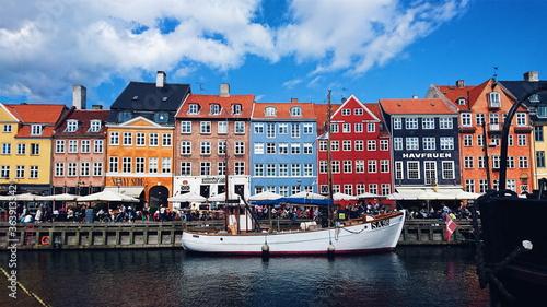 Canvas Nyhavn, Colorful Buildings