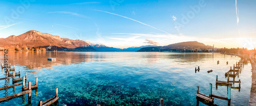 Obraz na płótnie Scenic View Of Lake Against Sky