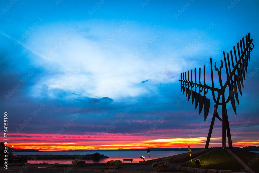 Fototapeta Spirit Catcher Sculpture at Sunset