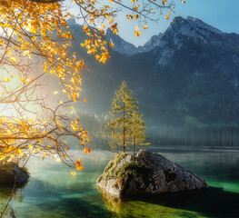 Fototapeta Rzeki i Jeziora Awesome Sunny nature landscape. Impressively beautiful Hintersee lake at sunrise. best popular location for photographer in Bavarian Alps. view of German Alps, Bavarya, Europe
