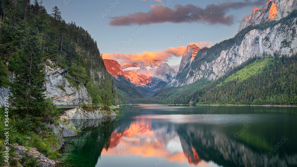 Fototapeta Gosausee, European Alps. Panoramic image of Gosausee, Austria located in European Alps at summer sunset.