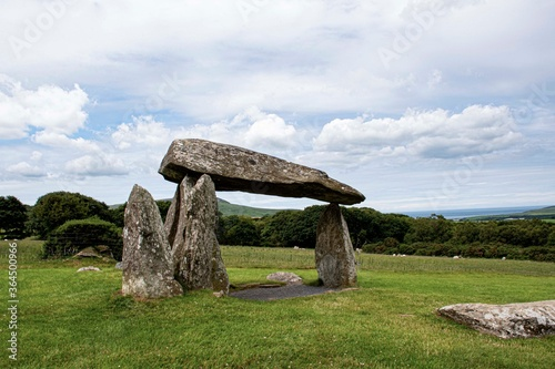 Pentre Ifan Burial Chamber  Pembrokeshire  blue stones  monument Canvas-taulu