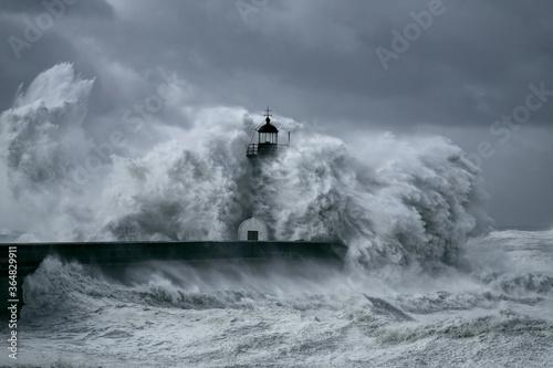 niebezpieczny-sztorm