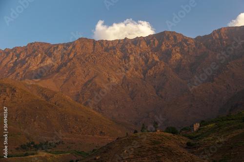 Canvastavla landscape in the atlas in morocco