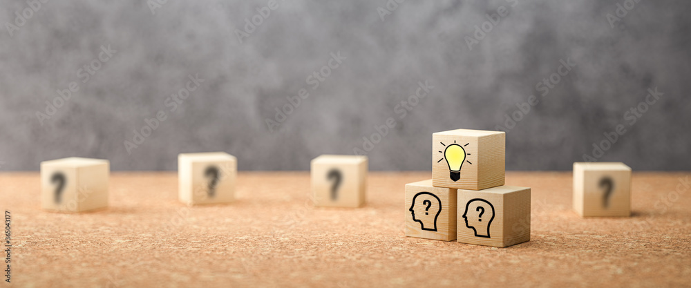 Fototapeta cubes showing a brainstorming session on concrete background