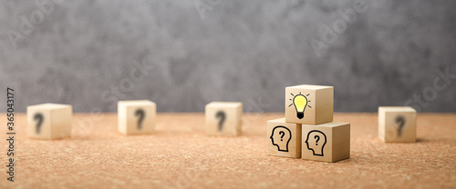 cubes showing a brainstorming session on concrete background Fototapete