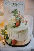 Mit Green Oh Baby Cake On A Baby Shower Party