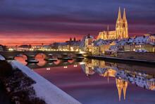 Regensburg Im Winter Bei Nacht...