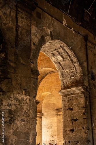 Leinwand Poster Zabytkowe fragmenty budowli rzymskich