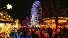 UK, Edinburgh, Christmas Festi...