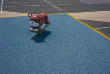 公園の遊具 小熊