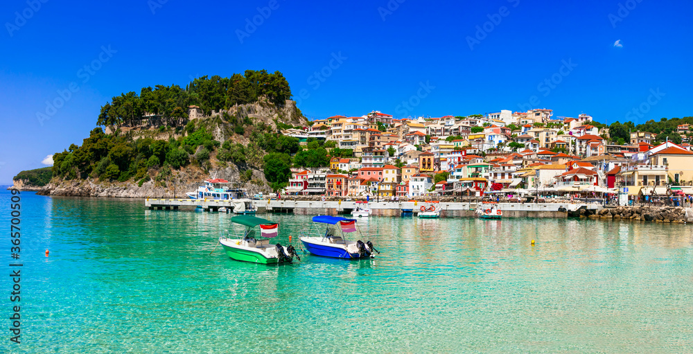 Fototapeta Coloful beautiful town Parga - perfect getaway in Ionian coast of Greece, popular tourist attraction and summer holidays in Epirus