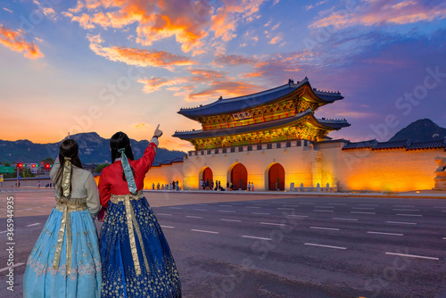 Fototapeta king, korea, night, tradition, gate, action, entrance, ethnic, illuminated, interest, oriental, place, queen, royal, skyline, structure, costume, kingdom, korean, past, south, dynasty, emperor, imperi obraz