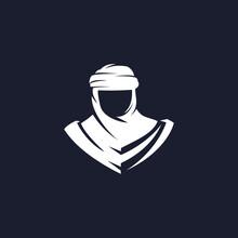 Nomad Silhouette Logo