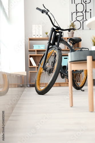 Photo Stylish interior of room with bicycle