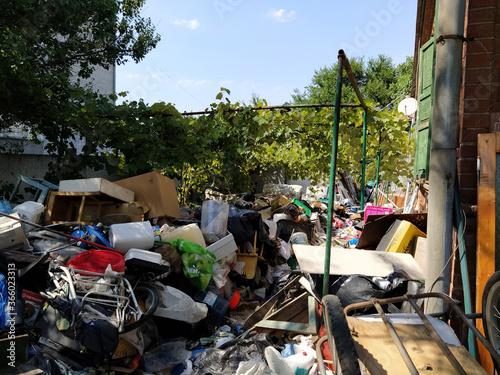 Fototapety, obrazy: Abandoned yard full of rubbish