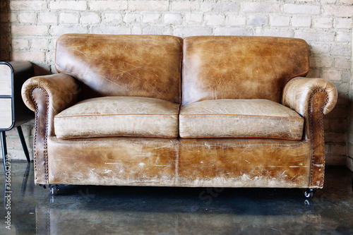 Fotografia Living room with vintage style  leather sofa