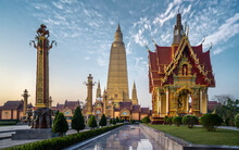 Wat Mahathat Watchiramongkhon ...