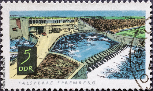 Papel de parede GERMANY, DDR - CIRCA 1968: a postage stamp from Germany, GDR showing a dam at Sp